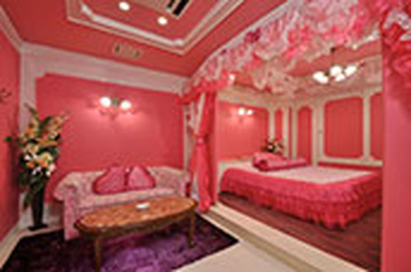 Love themed hotel rooms
