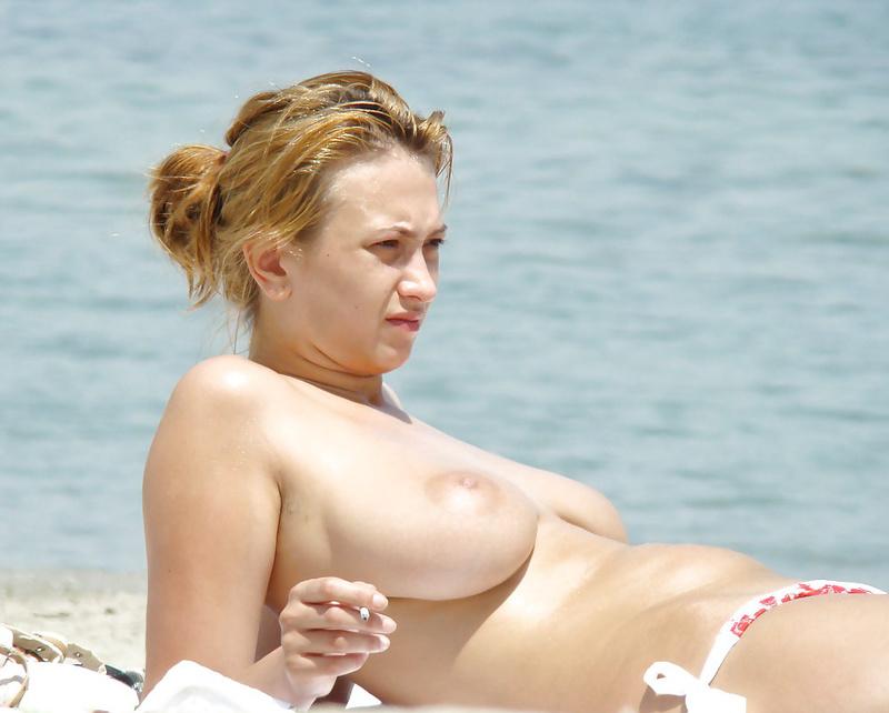 Hot big boobs nude at the beach
