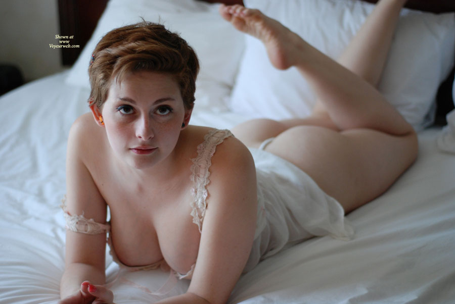 Short hair redhead nude women