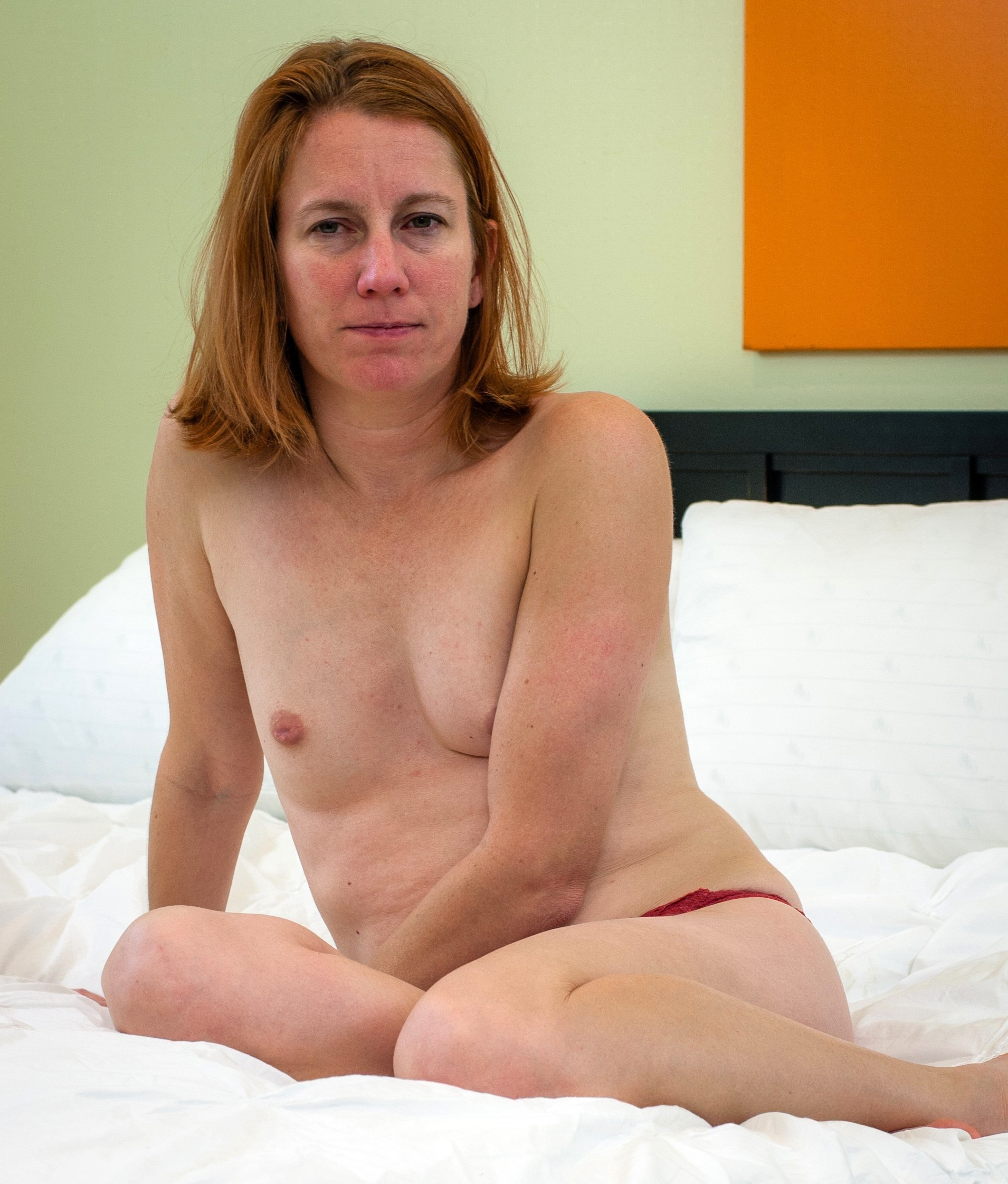 Amateur older wife private nude photoshoot