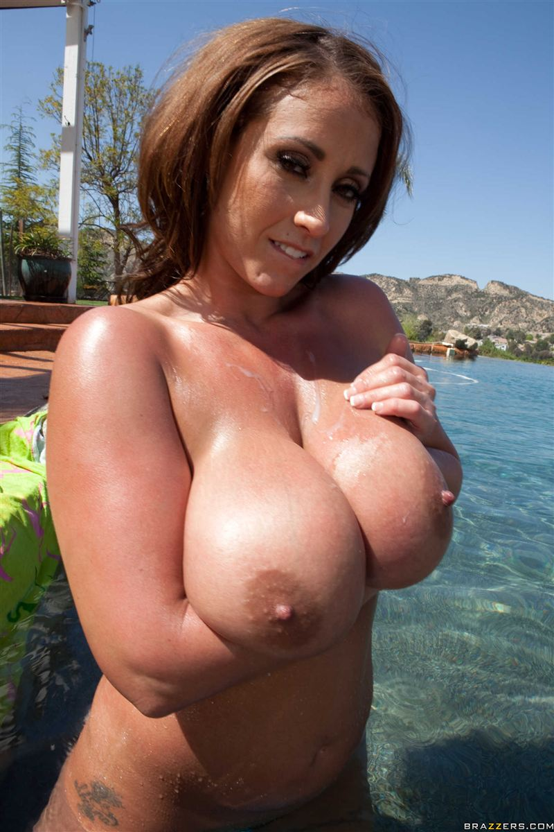 Eva notty pool side