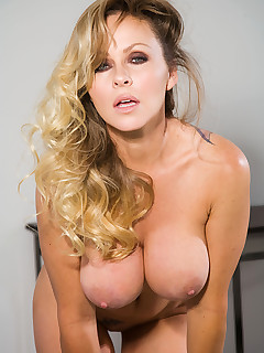 American penthouse girl shows pussy