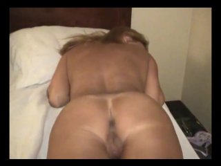 Amateur cuckold wife creampie
