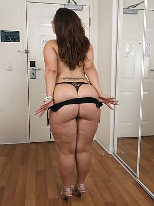 Chubby big ass aunty