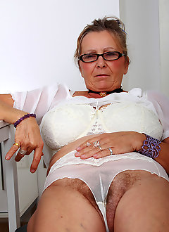 Close up creampy black granny pornpictures