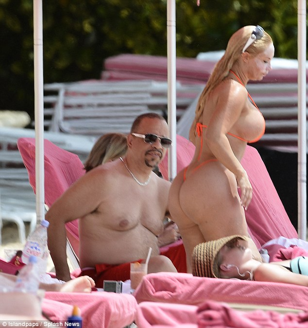 Coco austin sunbathing nude