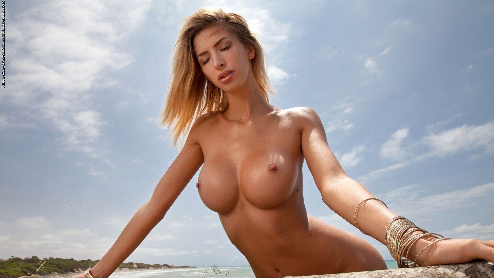Nude hd hot model