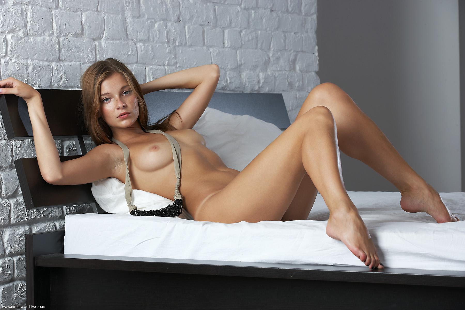 Softcore nude erotic women