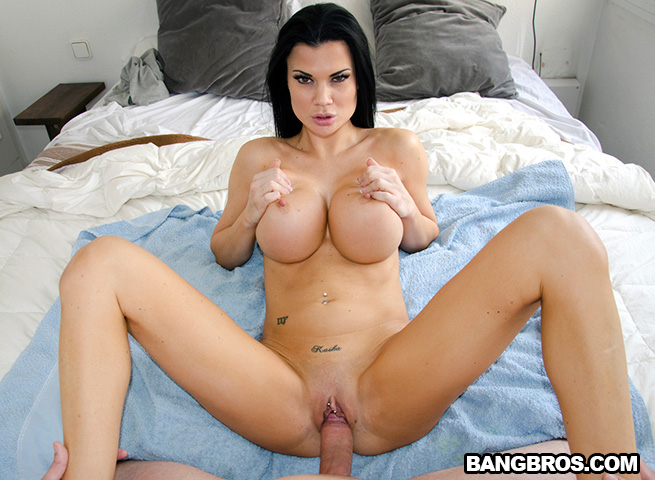 Hot babe pussy creampie