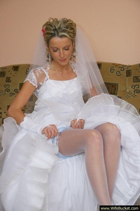 Amateur wedding night lingerie