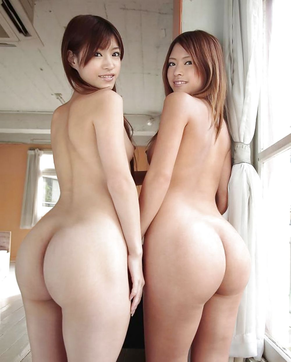 Sexy nude chinese women with big booty