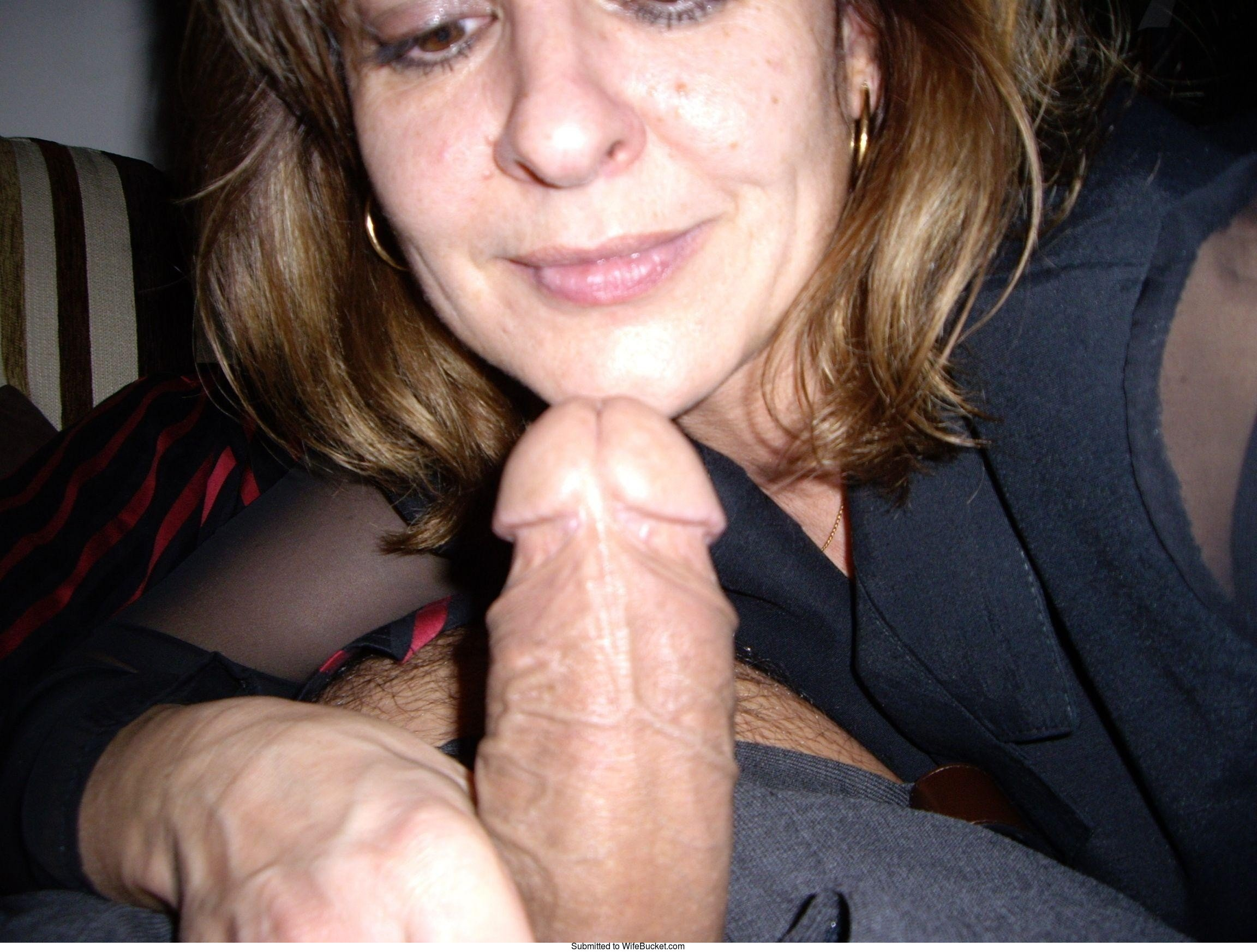 Homemade wife give husband blowjob