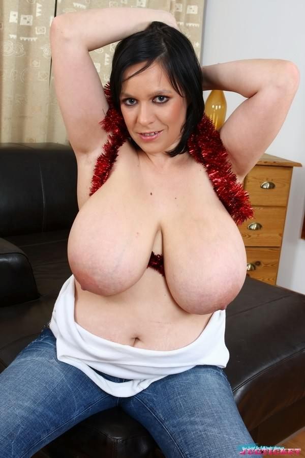 Amateur chubby brunette big tits