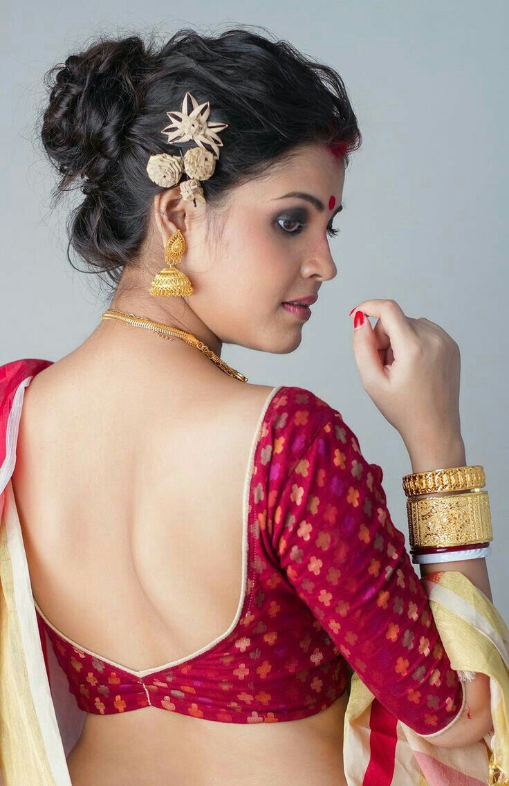 Backless saree blouse design