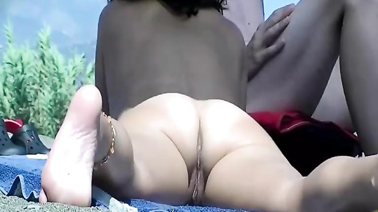 Wet pussy on nude beach