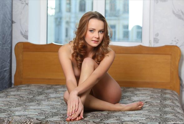 Young skinny nude girls posing