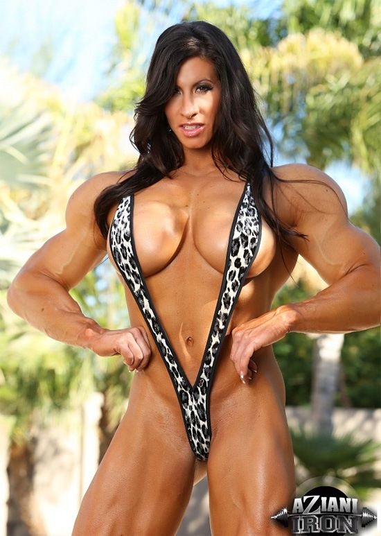 Big tits muscle women