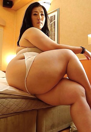 Naked big booty porn