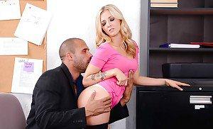 Pornstar big boobs sex