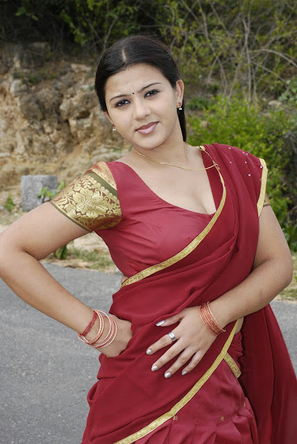 Tamil actress hot stills