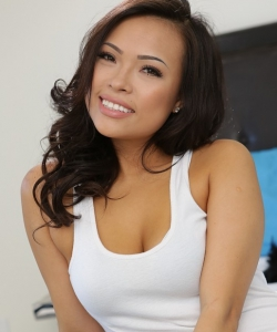 Asian gia grace lee