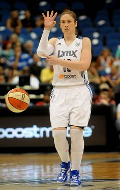 Lindsay whalen sexy picture