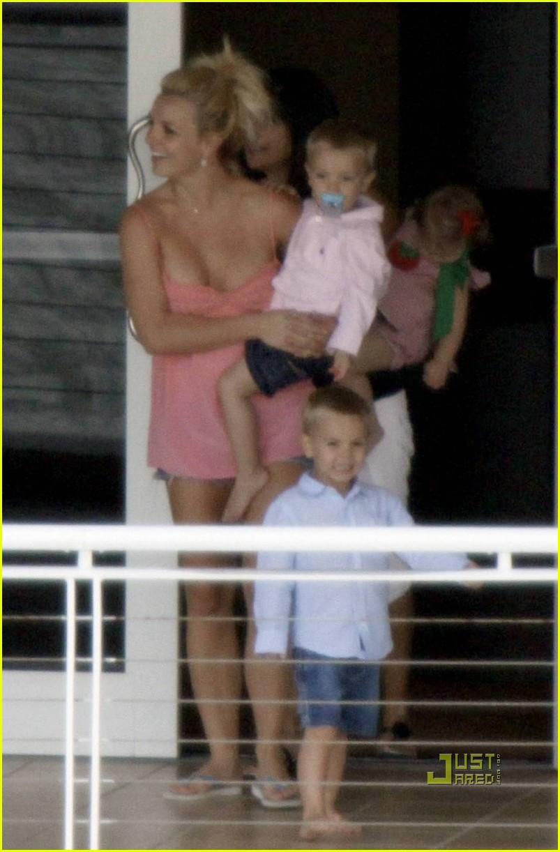 Britney spears kevin federline balcony