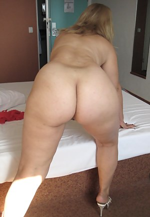 Big mom ass nude