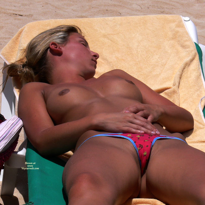 Hot girl on nude beach pussy oops