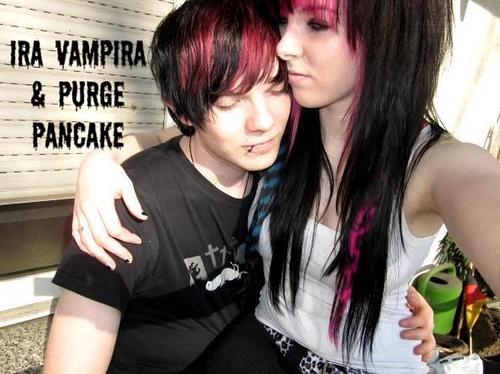 Cute emo lesbians kissing