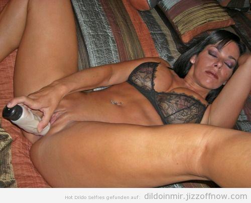 Nude selfies with dildo