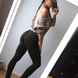 Hot girls in yoga pants ass