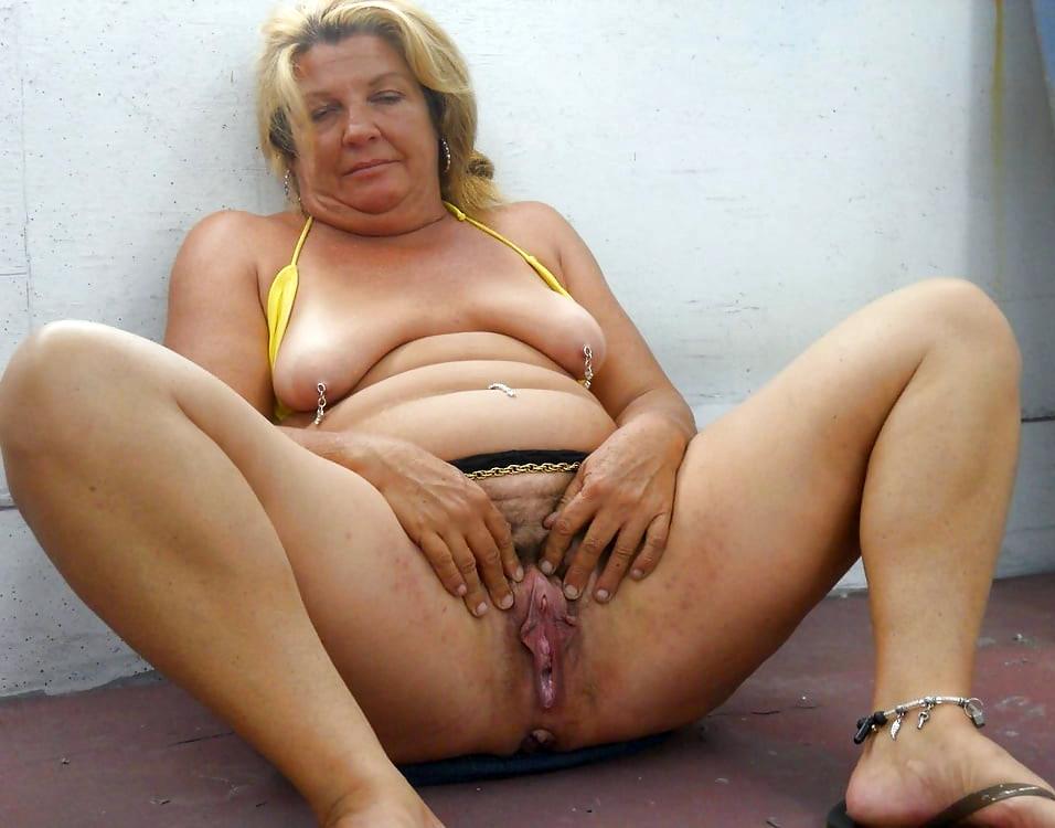Xxx photo pussy matur