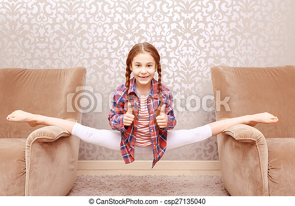 Very young teen spread legs