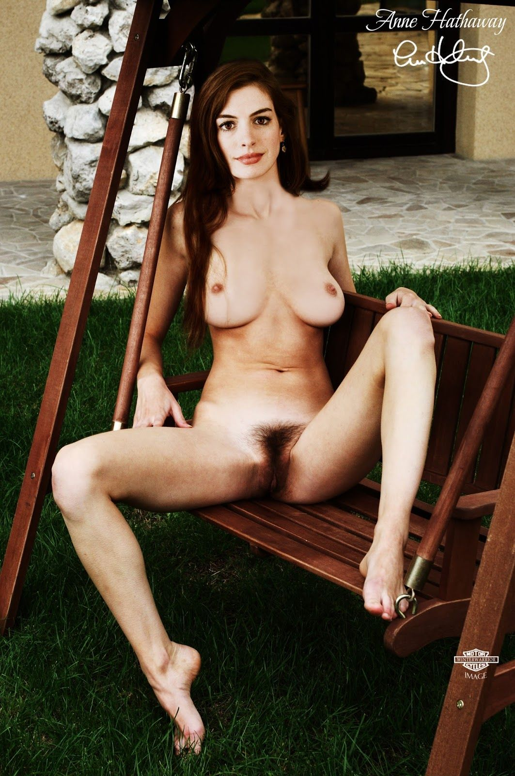 Anne hathaway naked peeing