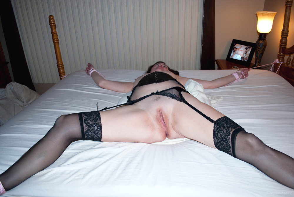 Milf mature wife tied bed