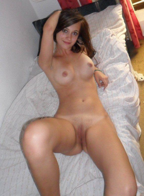 Amateur long brunette nude