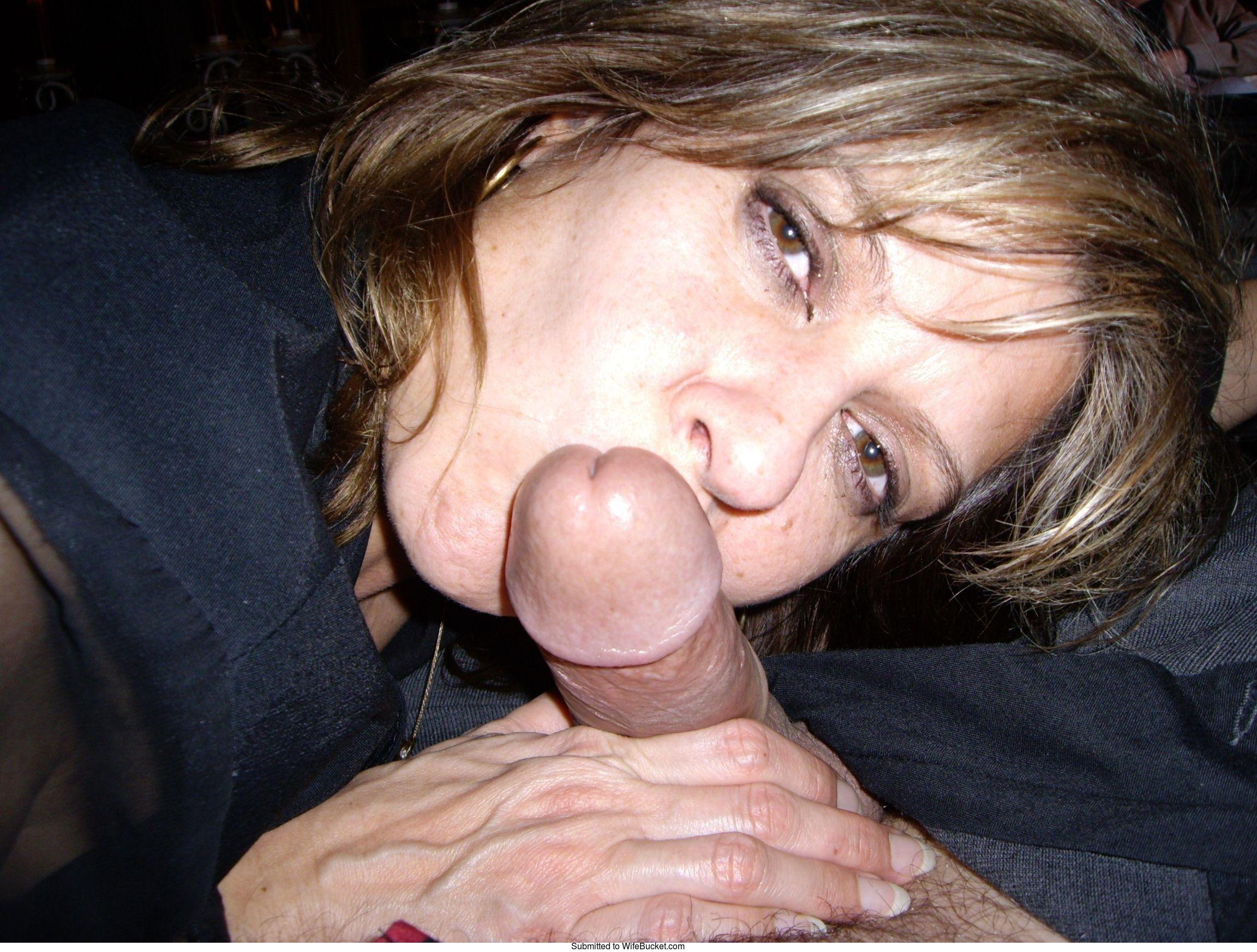Homemade wife give husband blowjob