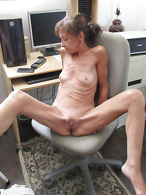 Anorexic skinny mature milf