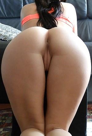 Nice vagina from behind