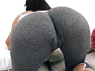 Big ass yoga pants pussy