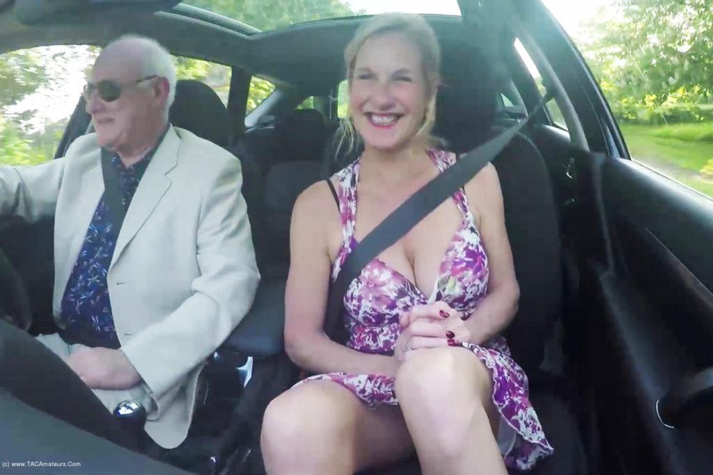 Hot mature wife exhibitionist milf