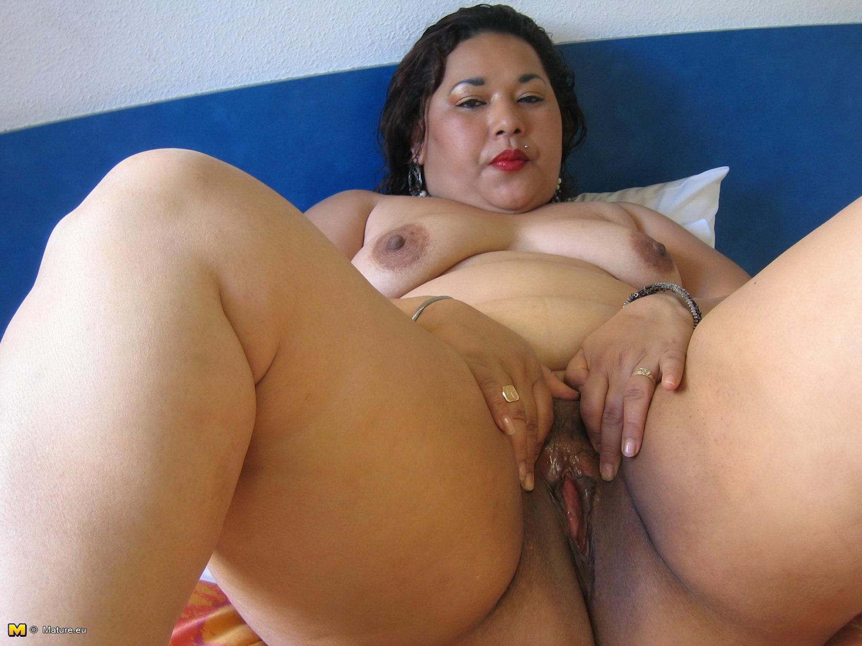 Chinese mature black pussy