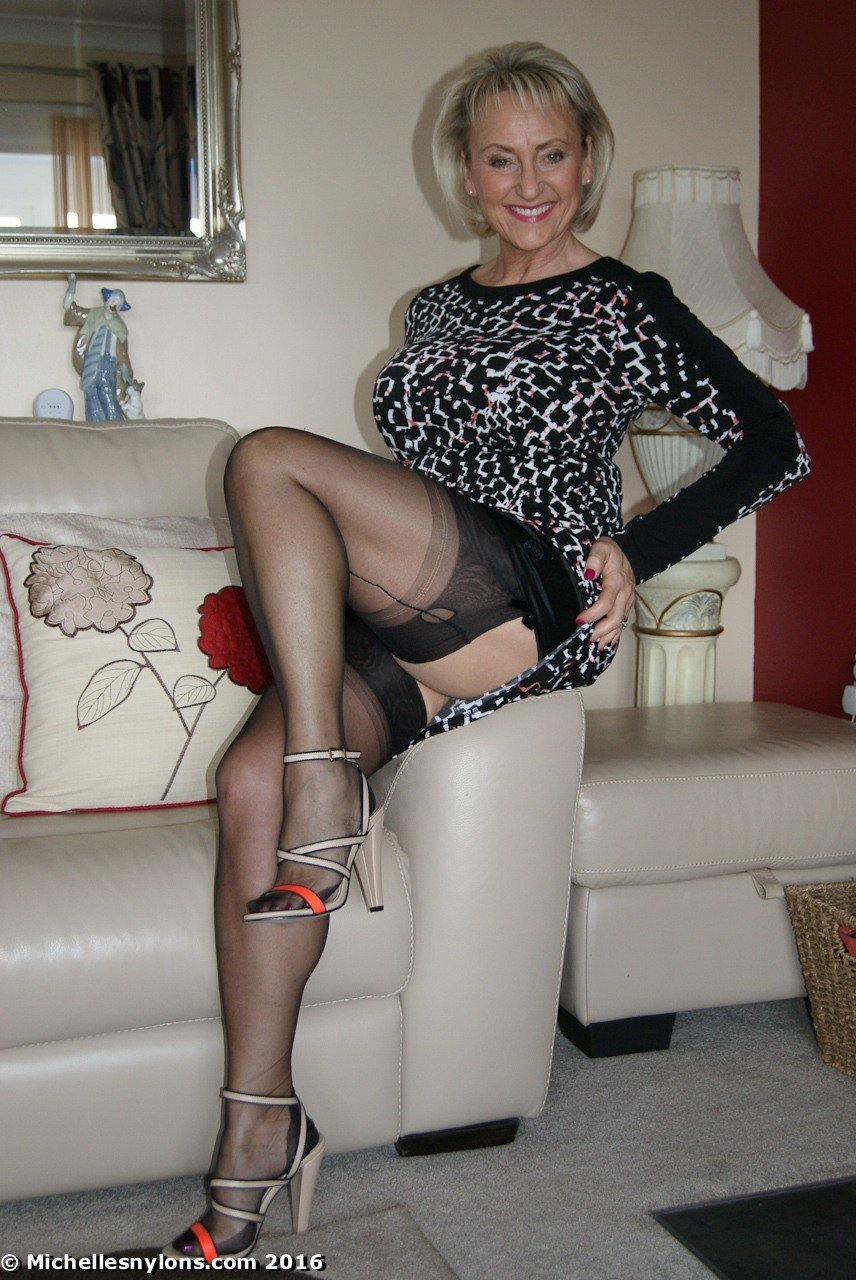 Sexi matures pusi of nylons