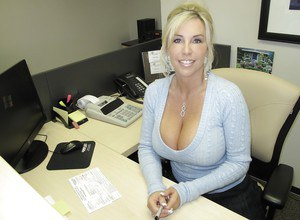 Big saggy boob mom