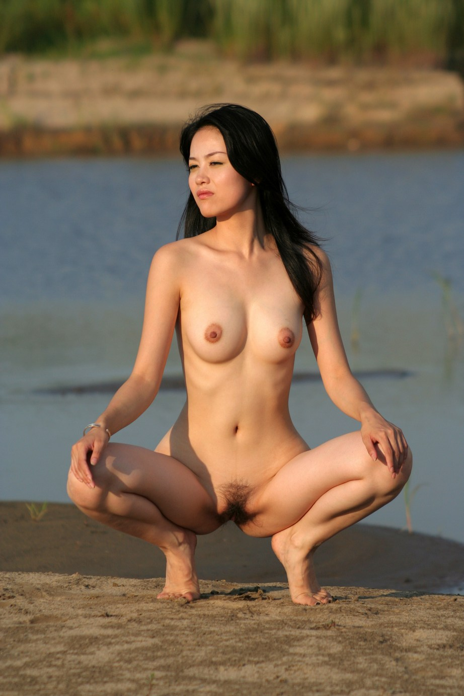 Asian naked girl with their pussy