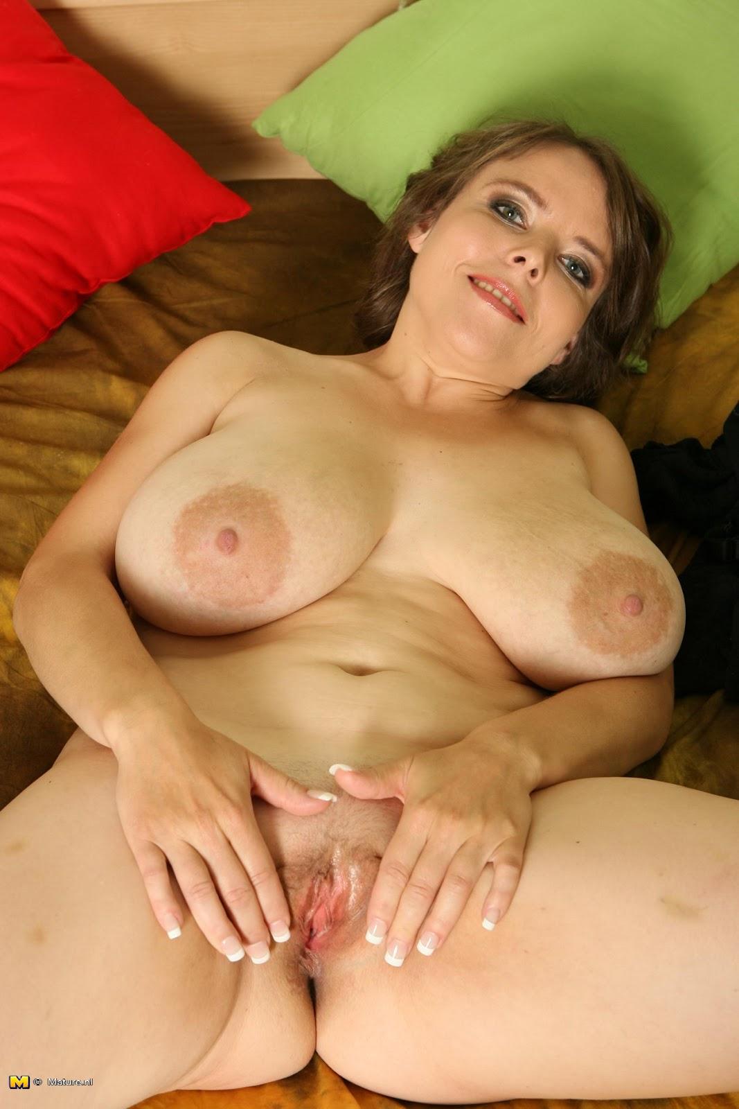 Rozie mature nl big boobs
