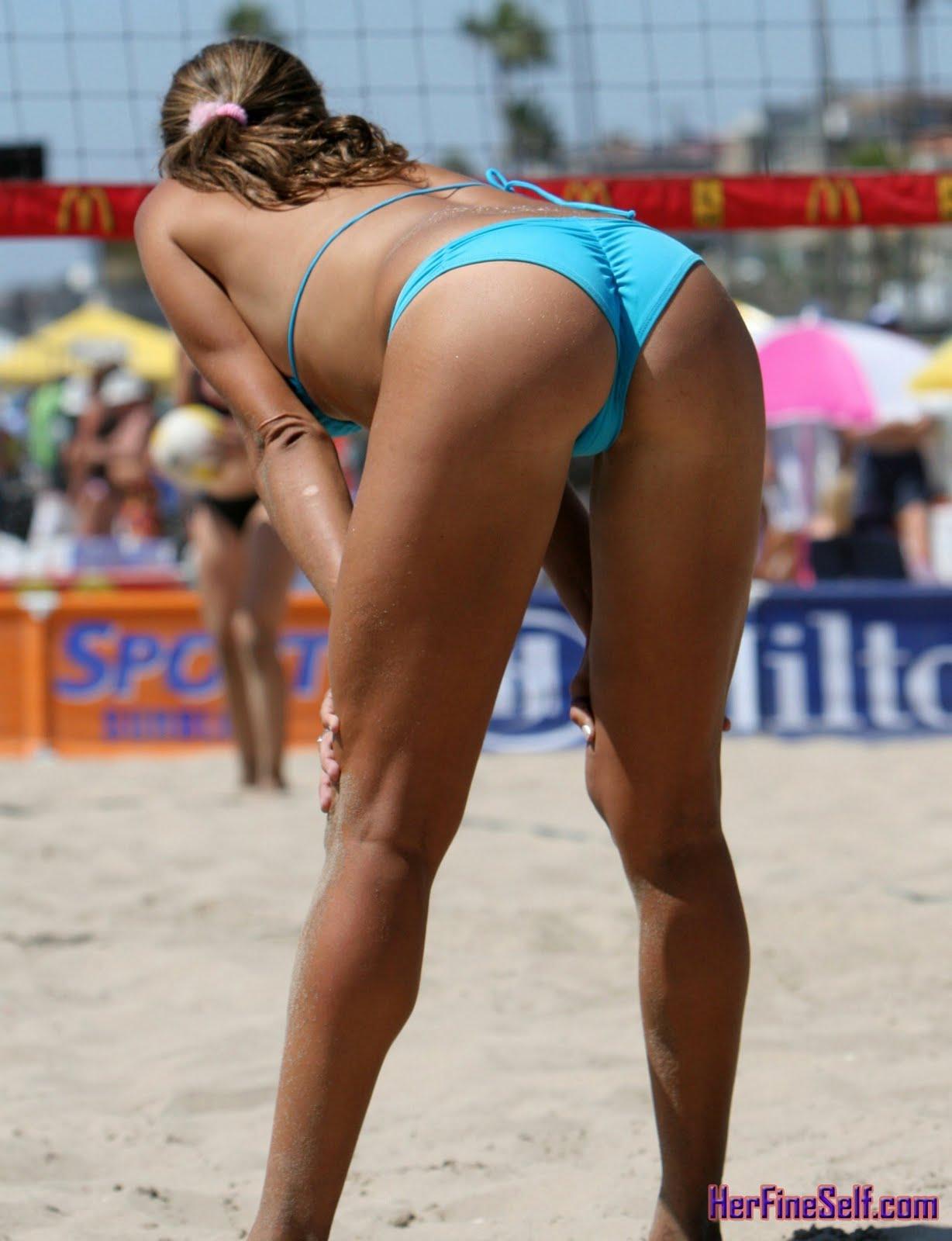 Volleyball beach girl pussy slip