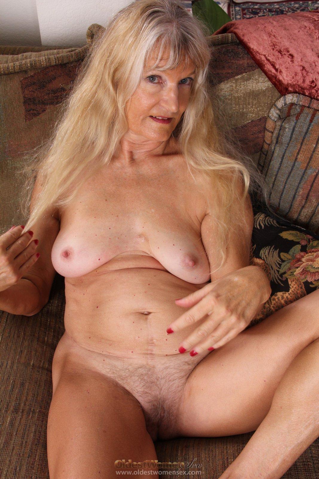 Grannies hot pussy pics