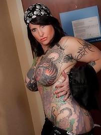 Teen xxx with tatoos